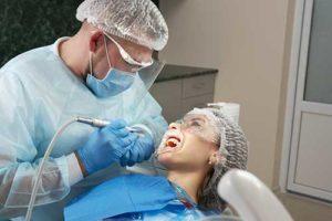 patient seeking help for periodontics